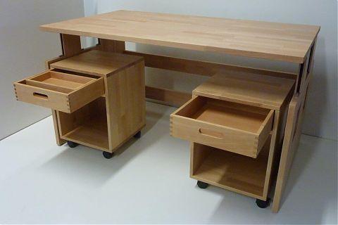 Tisch höhenverstellbar